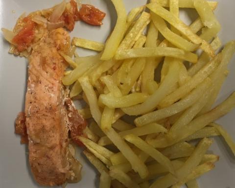 Entrecôte, faux filet, Couscous, côtes d'agneau, brochettes, merguez, méchoui, bœuf, poulet, saucisse, travers, cailles, poissons, petit déjeuner, croissant, tartines, beurre, confitures,