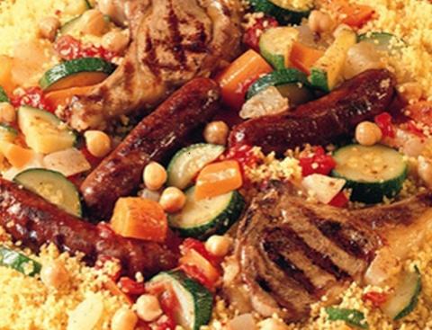 Entrecôte, faux filet, Couscous, côtes d'agneau, brochettes, merguez, méchoui, bœuf, poulet, saucisse, travers, cailles, couscous, petit déjeuner, croissant, tartines, beurre, confitures,
