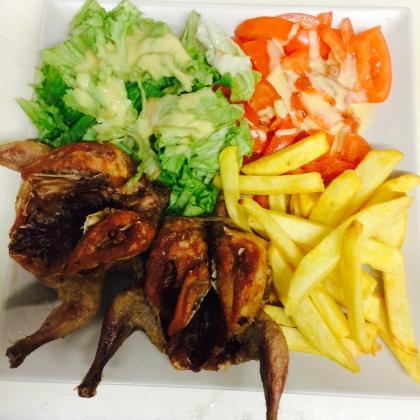 Cailles grillée frites salade
