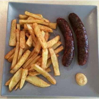 entrecôte,faux filet,côtes d'agneau,brochettes,merguez,méchoui,bœuf,poulet,saucisse,travers,cailles,couscous,petit déjeuner,croissant,tartines,beure,confitures